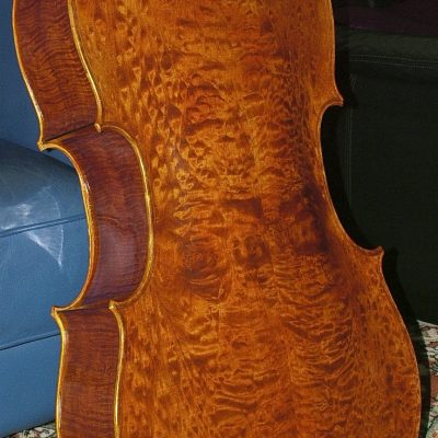 cello-made-by-jw-robinson-2010-quilted-maple-back-view
